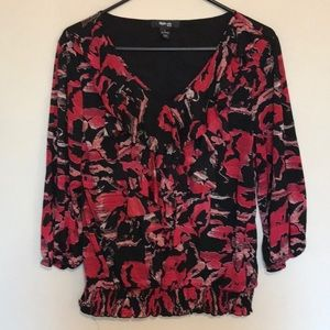 By Style and Co. Pretty ruffled V neck top. Size L